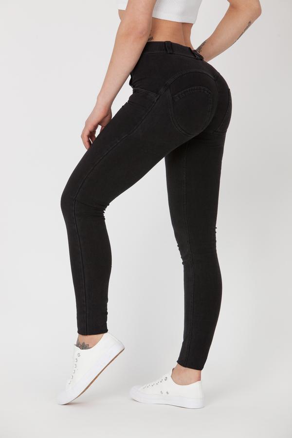 Boost Jeans Mid Waist Black Pre-Order  - 1