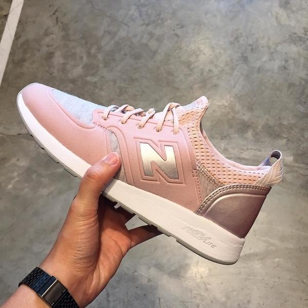 New Balance WRL420SE Pink - 5, 5 - 3